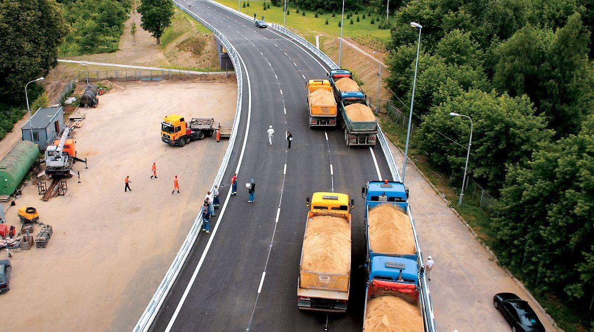 05_04_2005_Transporto_jungtis_nuo_Konstitucijos_1.jpg